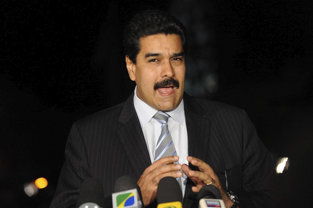 Presidente venezolano pide sumar al diálogo devolución de filial de Pdvsa en Colombia