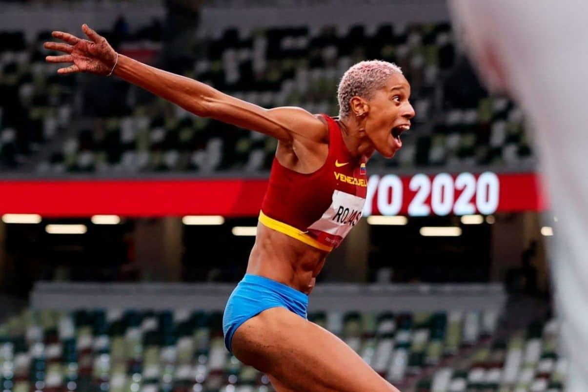 Así fue el impresionante salto de Yulimar Rojas para ganar el oro Olímpico