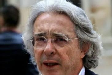 Álvaro Uribe es tendencia en redes por subir meme de melena con keratina de 'Epa Colombia'