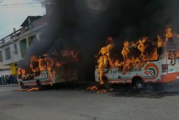 Incineran dos buses intermunicipales en Florida, Valle