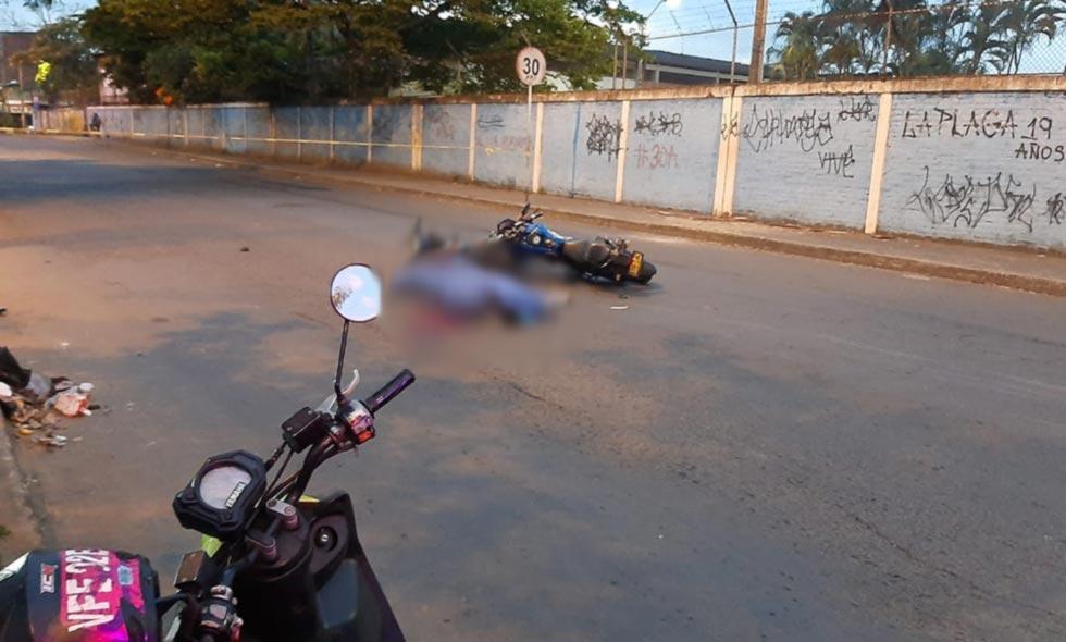 Aparatoso accidente cerca al Vallado dejó un motociclista muerto
