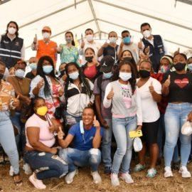Alcaldía entregó 120 apartamentos a familias del jarillón del río Cauca