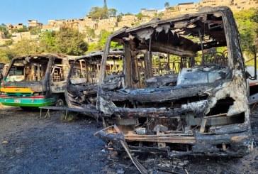 Incendian cinco buses de transporte público tradicional en Cali