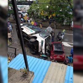 ¡Uno más! Accidente entre un bus urbano y vehículo particular deja varias personas lesionadas
