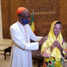 Liberan a monja colombiana secuestrada en Malí desde 2017
