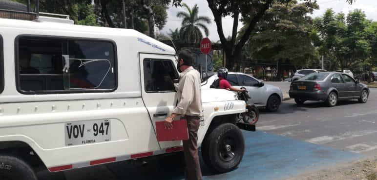 Horas de espera por transporte urbano en La Flora