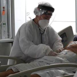 Colombia cumple un mes con menos de 50 fallecidos diarios por coronavirus