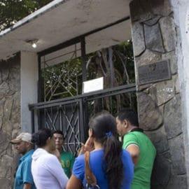 Colombia está dispuesta a reabrir sus servicios consulares en Venezuela