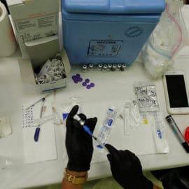 """EMA: dosis de refuerzo es """"segura y eficaz"""" pero no está claro cuándo ponerla"""