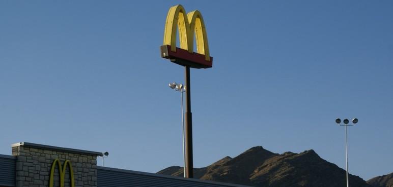 McDonalds gana 5.906 millones hasta septiembre, 76 % más que en 2020