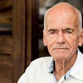Murió Hernán Hoyos, el caleño pionero de la 'sexo-ficción'